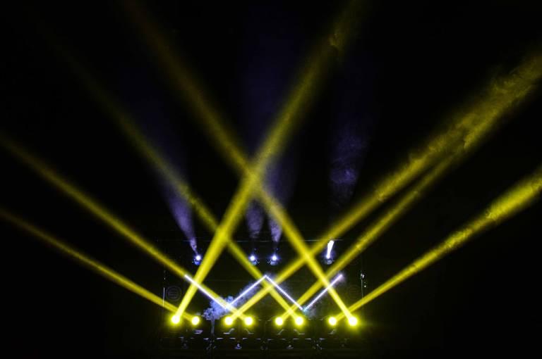 dekoracja światłem podczas imprezy